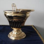 Caldeirinha cinzelada banho de ouro